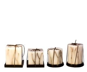 Set de 4 velas - 2 redondas y 2 cuadradas