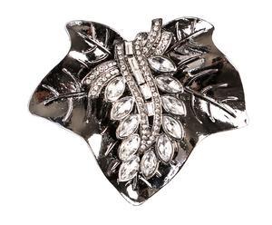 Broche en forma de flor con pequeños cristales - plateado
