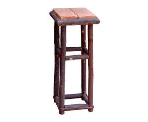 Pedestal de palo castaño y ladrillos