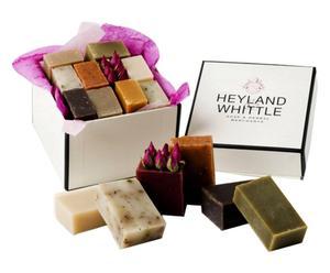 Caja regalo con 10 jabones Heyland