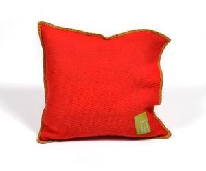 Cojín rojo y lima – 50x50