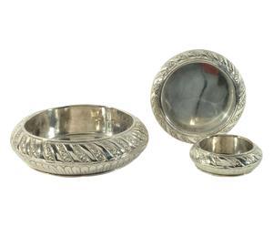 Set van 3 metalen asbakken