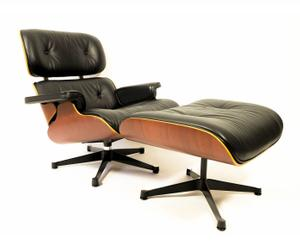 Fauteuil met voetenbank Lounge Chair, Charles and Ray Eames uit 2001