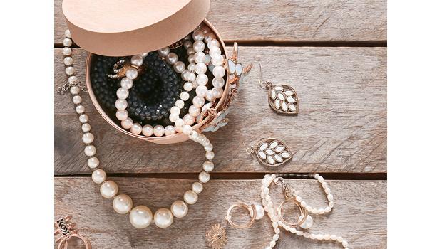 Perlen & moderne Schmuckstücke