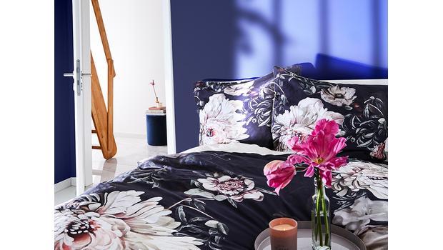 Dark Flower Bedding