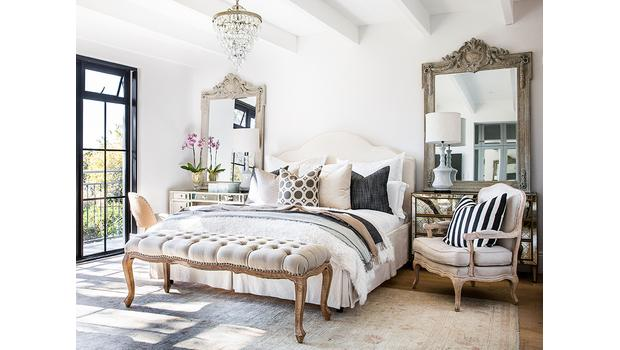 Schlafzimmer im Château-Stil