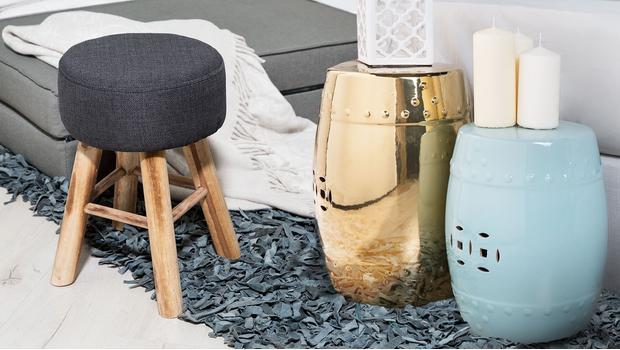 Pufy a stoličky