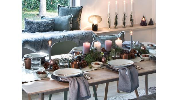Pohostinný stůl