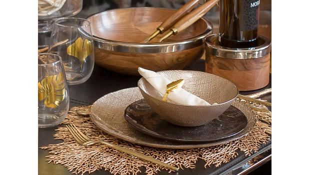 Table Look: Autumn Gold