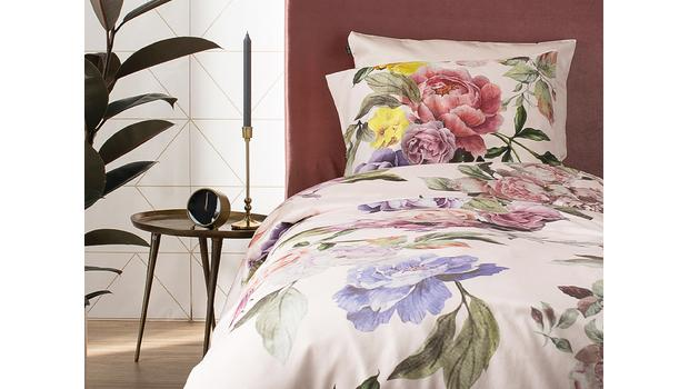 Blumen-Prints fürs Bett