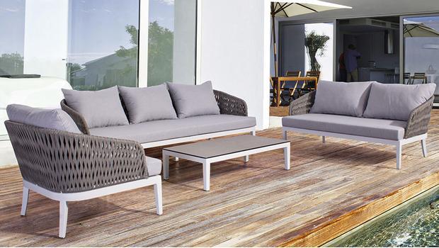 Klassische Garten Möbel Alles Von Lounge Bis Sonnenschirm Westwing