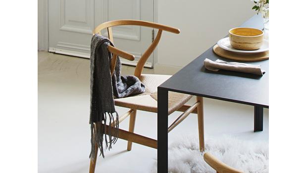 Más de 100 sillas