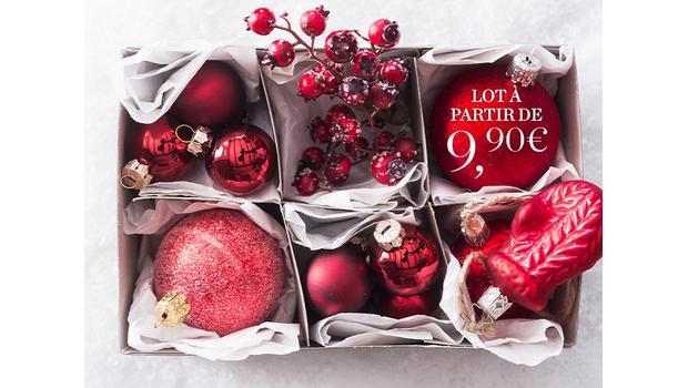 Assortiments de boules de Noël