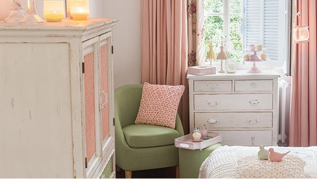 meubles coussins lampes chaises