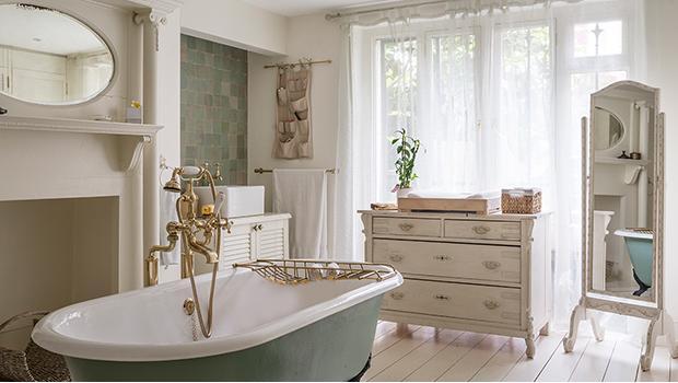 Salle de bains romantique Mobilier & accessoires | Westwing