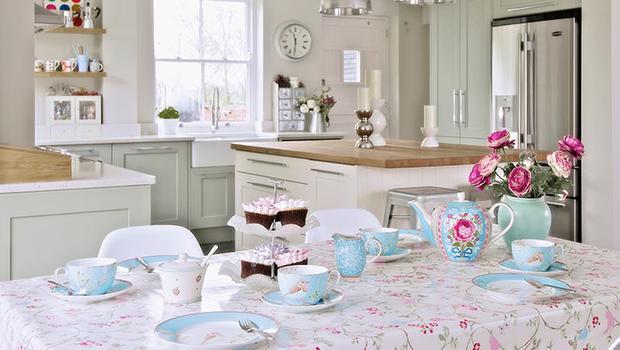 décoration, vaisselles, mobiliers