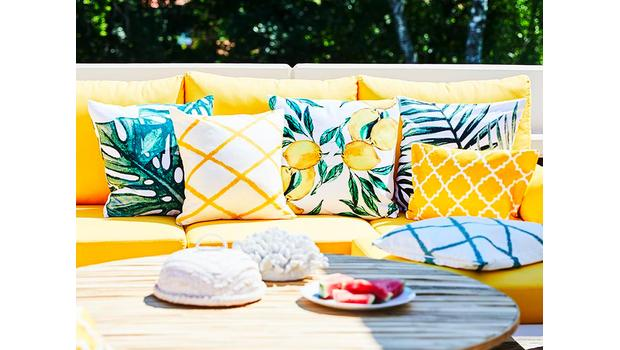 Summer cushion with extra high
