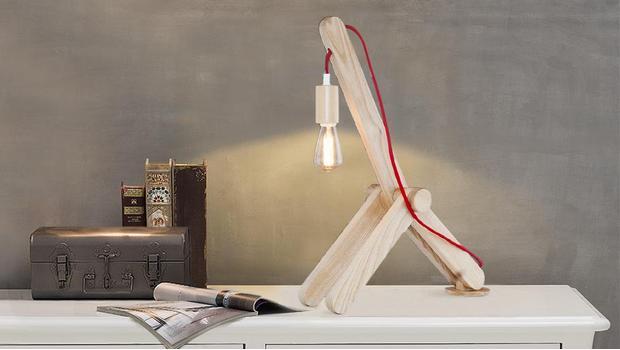 Lampade Di legno in luce