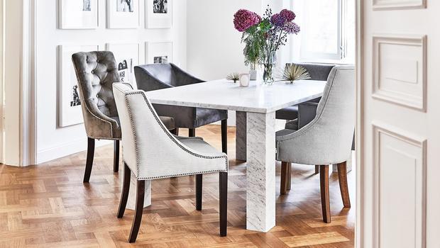 Hebben: gestoffeerde stoelen