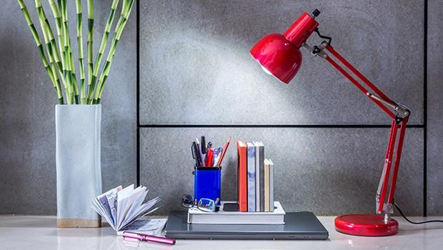 Świetlny minimalizm