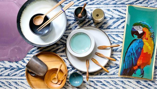 Stół muśnięty kolorem