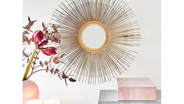 Lustro: sposób na piękny pokój
