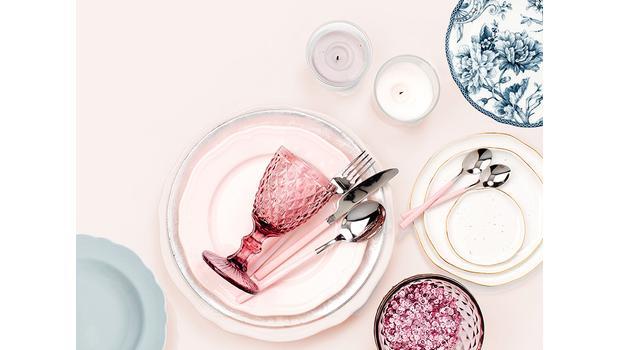 Romantyzm podano do stołu!