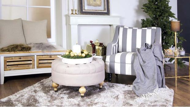 Elegancki Salon Dywany Konsole Lustra Fotele Westwing