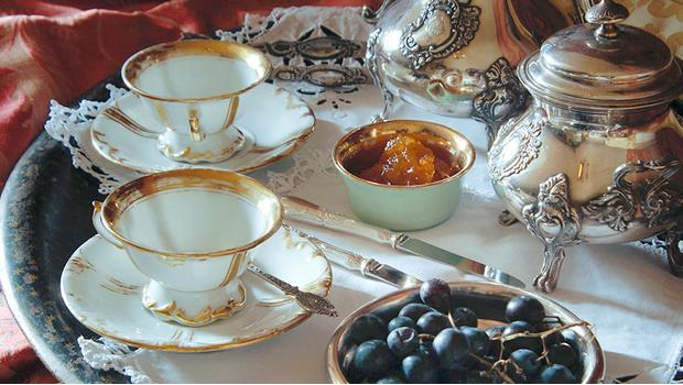 Stół w królewskim stylu