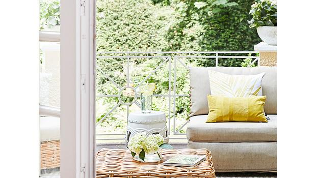 Balkon urządzony jak salon