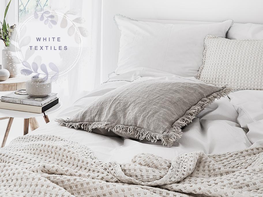 Textilien ganz in Weiß