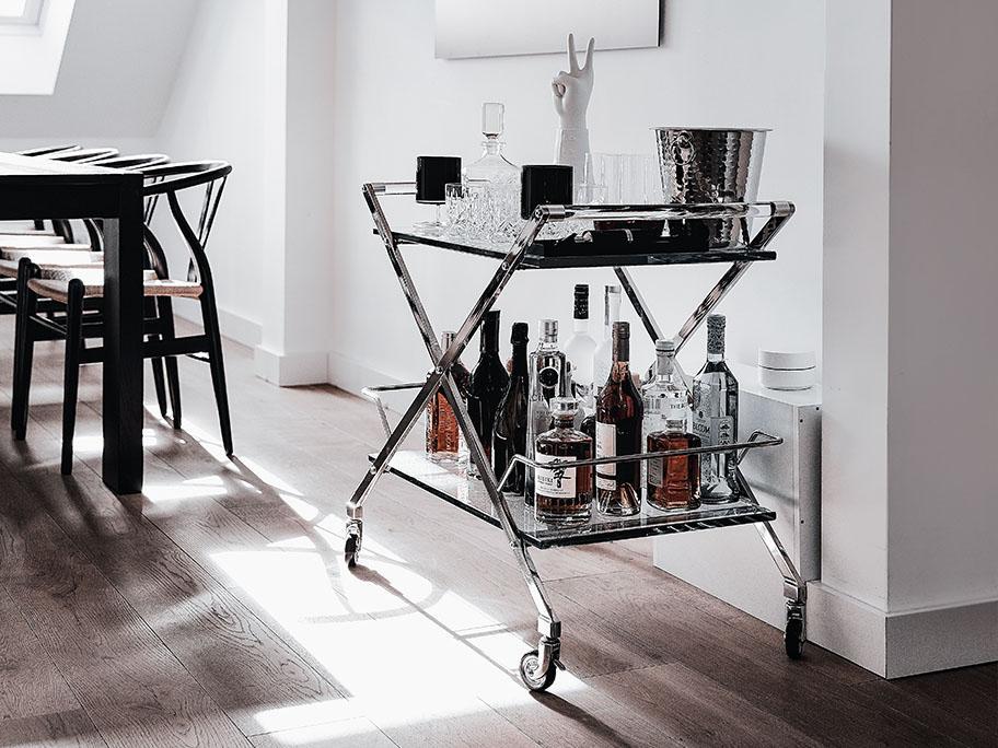 Bar- & Servierwagen