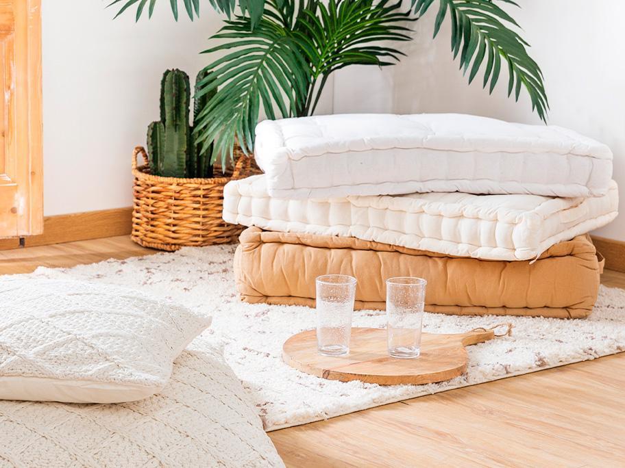 Cojines, pufs y alfombras