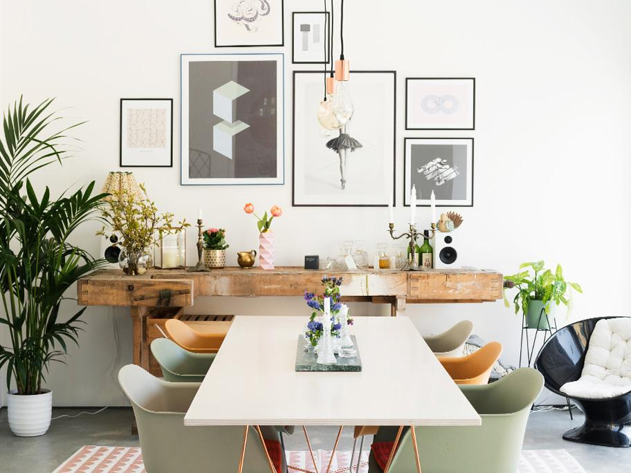 Un salón familiar moderno