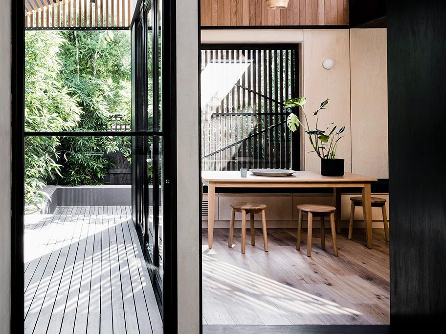 Un loft con terraza