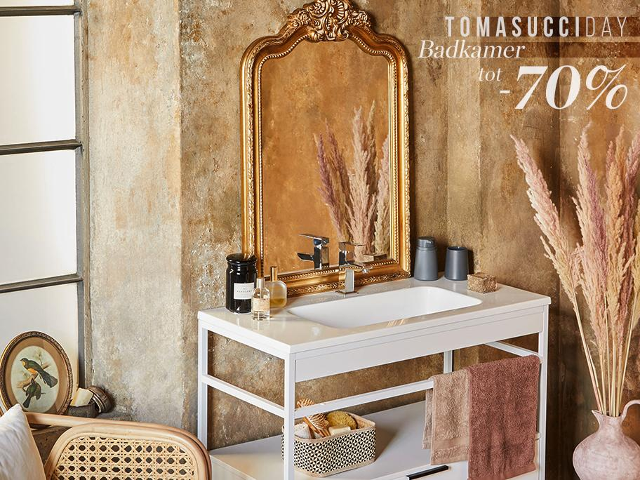 Day of Tomasucci - Bathroom