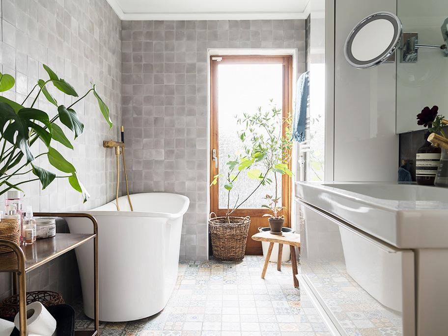 Contemporary Modern Bathroom