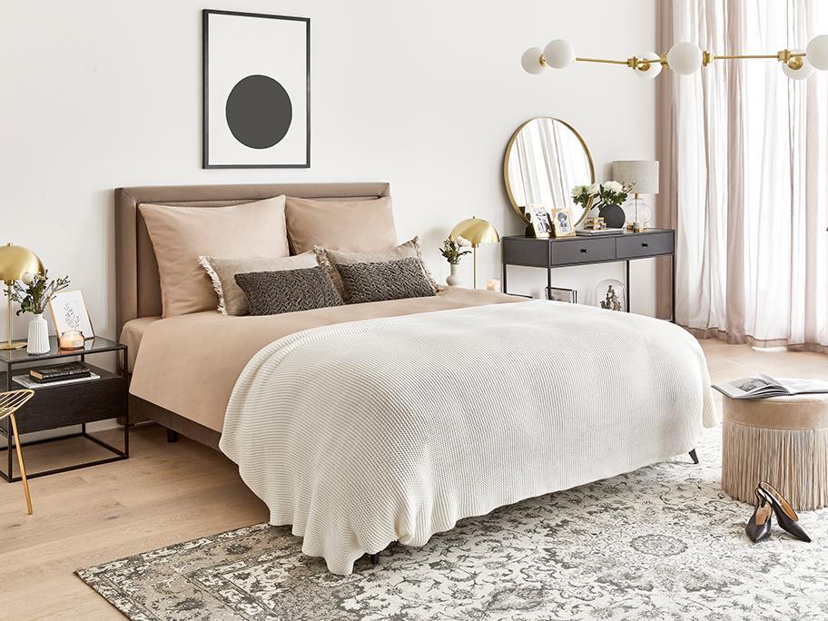 Eleganckie łóżko kontynentalne