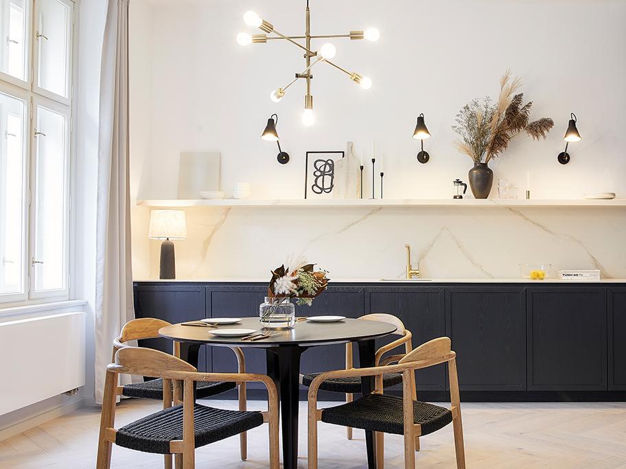 Lampy z salonu do jadalni