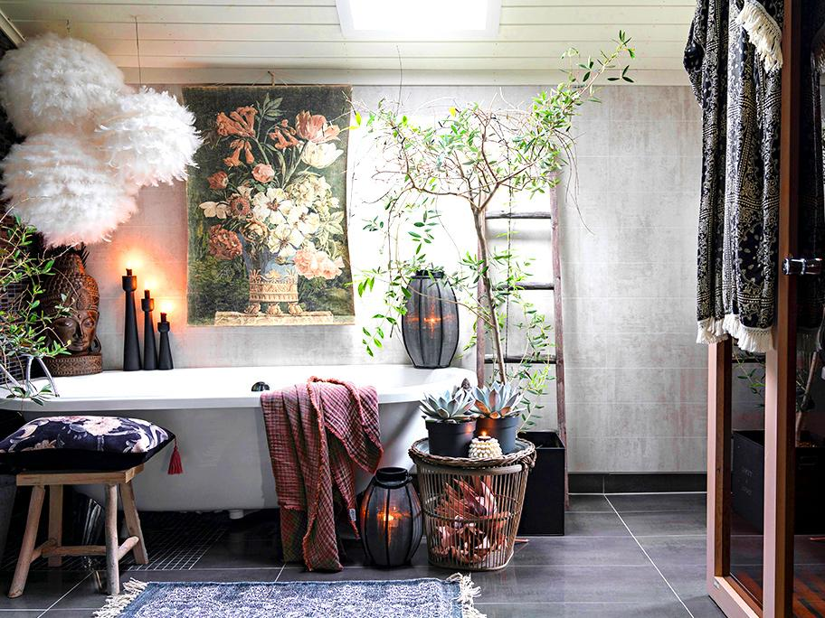 Boho Romance bathroom